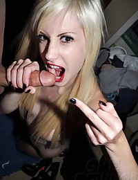 Stunning goth girl plays with boyfriends big cock