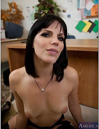 Naughty Secretary Pleasures Horny Boss