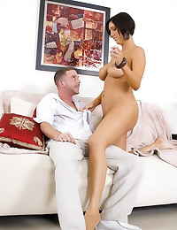 Lucky man fills milf cunt