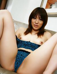 Japanese babe tease with hair...