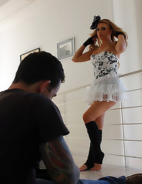 Solo shoot with Lexi Belle