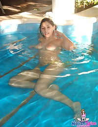 Mariah Spice - Soft natural girl with a great ass swims topless