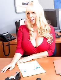 Huge boobs curvy secretary fu...