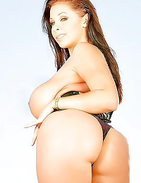 Gianna Michaels big tits and ass