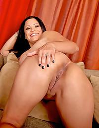 Big boobs on curvy pornstar