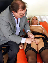 An old senior doctor fucking his sexy patient