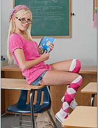 Slender Cute Blonde Teen Elaina