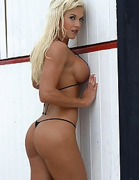If you are a guy like me then nothing would stop you from having fun staring at pics of female bodybuilders.