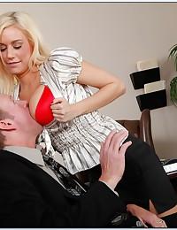 Muscular man boning blonde whore