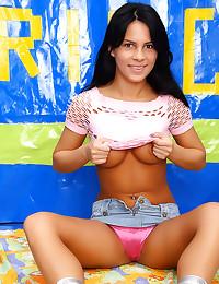 Skirt girl toys her asshole
