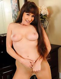 Happy mom pantyhose tease