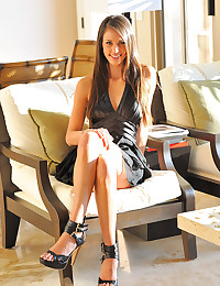 Saucy Cougar Tiffany Spreads Legs