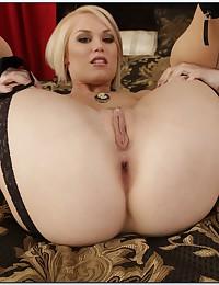 Gorgeous pornstar lingerie tease