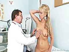 Anezka old pussy gyno speculum examination