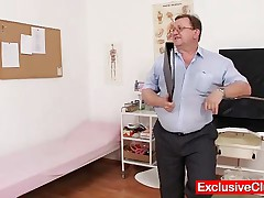 Nikki - Sexy Naturaly Busty Babe Gets Harrassed By Weird Gyno Medic With Pussy Pump And Other Gyno T