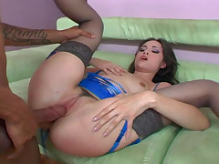 Good hot, wet & nasty brunette getting black balled