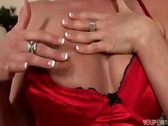 Olivia treats her pussy right -