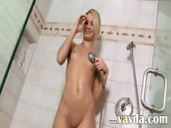Shower power of beautiful blondie
