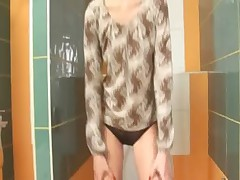 Amazingly skinny proana chick on toilet