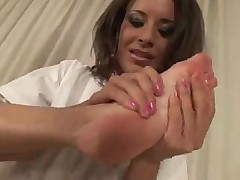 Lora Craft and Slut suck feet