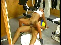 Hot brunette gym jamming