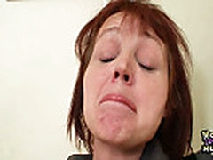 Old amateur mom toying herself on a school desk