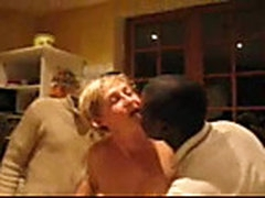 Interracial amateur threesome
