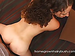 Homegrownhairybush's Flora Lets Her Bush Grow Natural